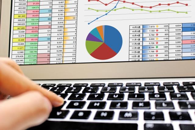 Excelの「マクロ」とは?どんなケースで使うのか?